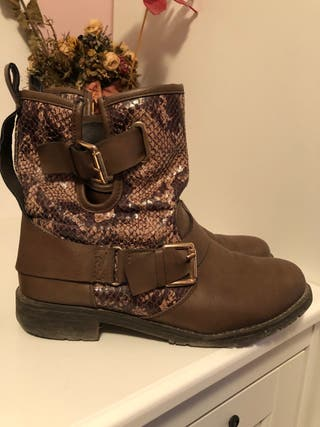 Botines color marrón