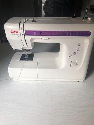Máquina de coser Alfa 2204