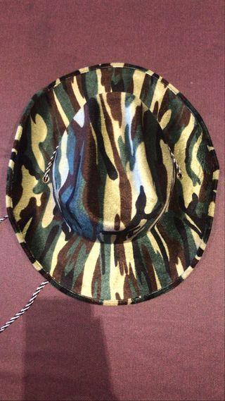 Sombrero Cowboy, estampado militar