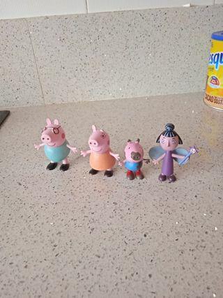 Muñecos Pepa pig y Ben y Holy