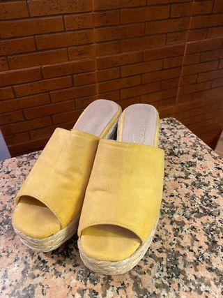 Sandalias con tacón usadas talla 37