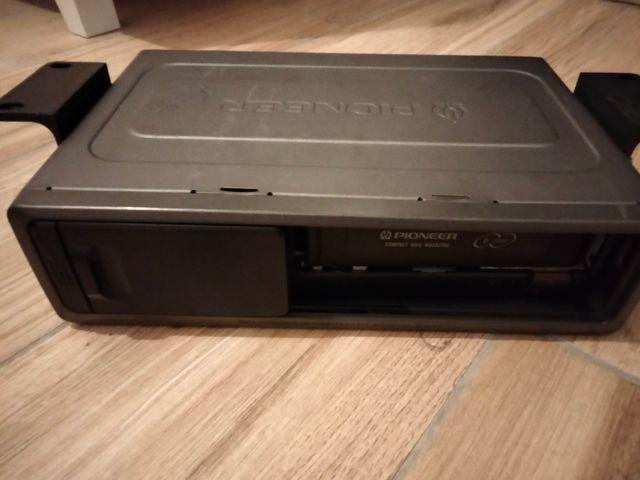 Cargador 6Cds Pioneer, y carátula suelta
