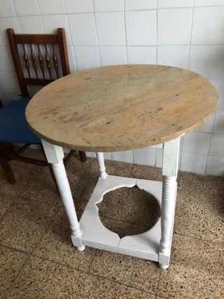 Antigua mesa camilla
