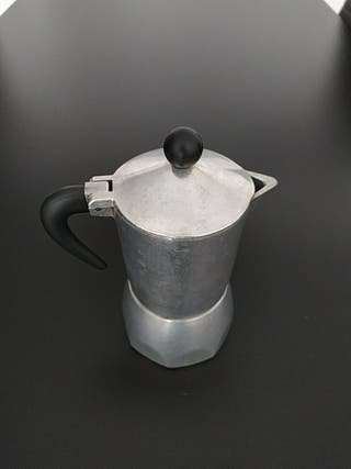 cafetera italiana de tres tazas