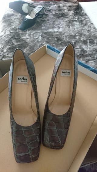 Preciosos zapatos cocodrilo