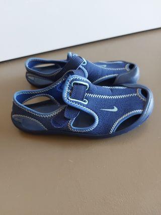 Sandalias Nike 32