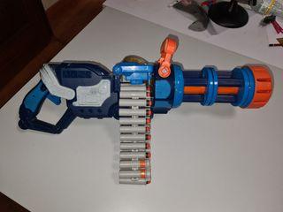 Ametralladora de dardos tipo Nerf