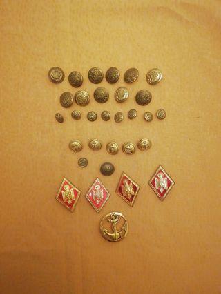 botones militares.