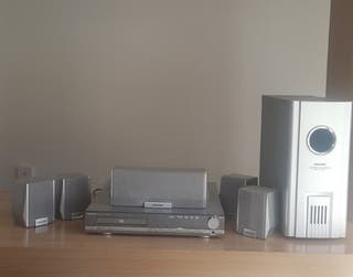 Home Cinema 5.1 con Dvd. subwoffer y 5 altavoces