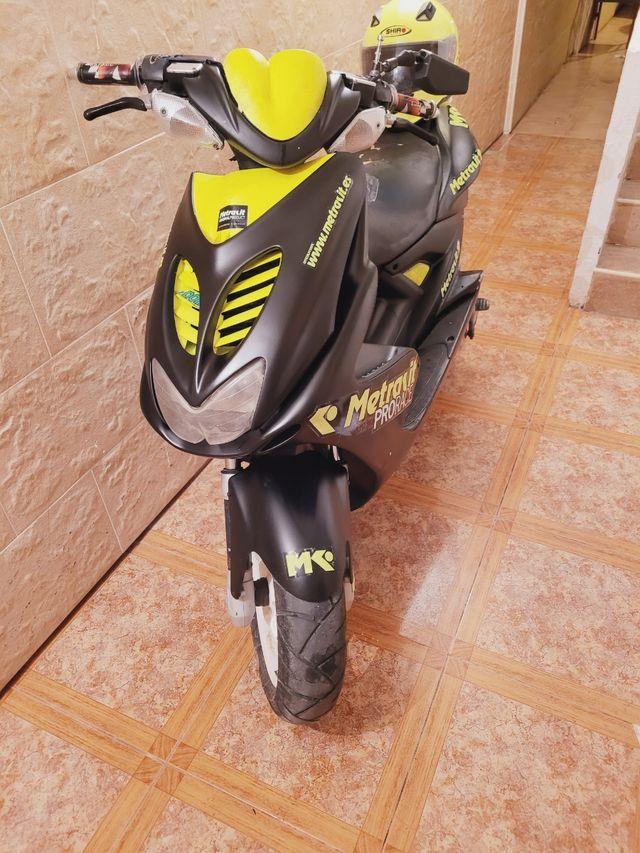 yamaha aerox con motor metrakit prorace