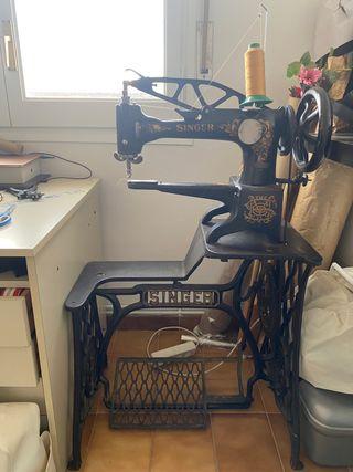 Maquina coser piel SINGER 29K1