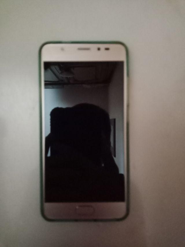 Télephone portable Wiko u feel prime+coque