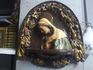 Relieve cuadro de escayola Virgen Ave Maria