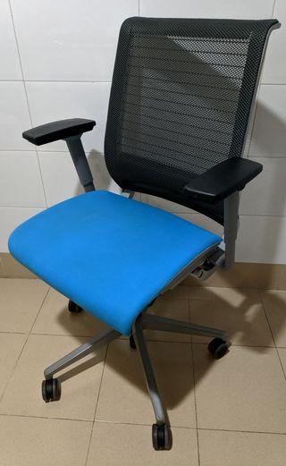 Silla de oficina Steelcase V1 azul