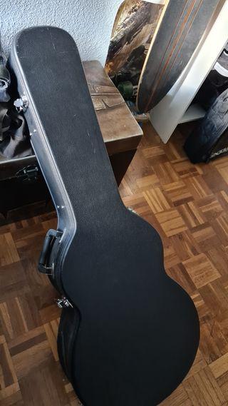 Guitarra electroacústica PRS Angelus.