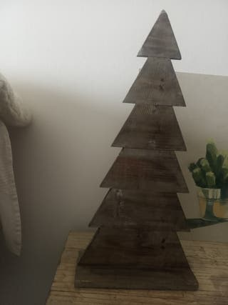 árbol decorativo de madera (pino)