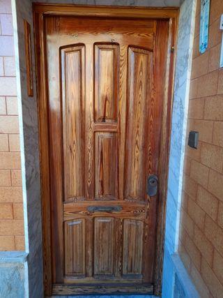 puerta entrada en madera de Canadá viejo