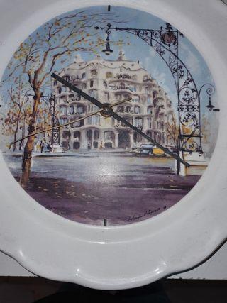 Reloj pared pintado
