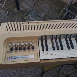 organo vintage Magnus