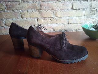 Zapatos de piel tacón grueso