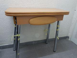 Mesa cocina plegable.