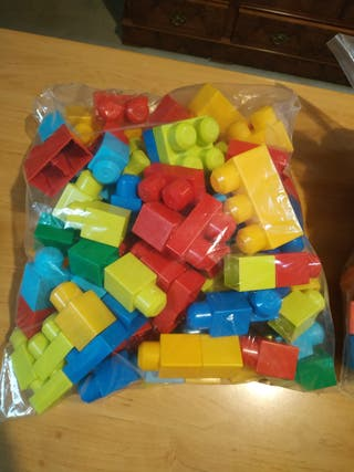 piezas de construcción. más de 100 piezas