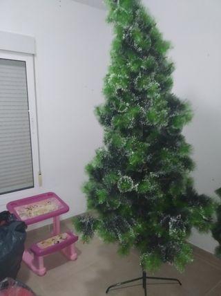 árbol de navidad jigante 10€