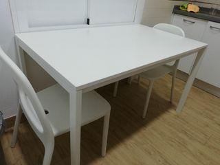 conjunto de mesa y 3 sillas de cocina