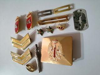 Lote Hebilla y insignias Militar