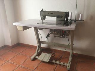 Vendo máquina plana juki DLN 415
