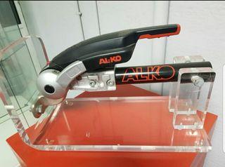 Estabilizador Al-ko aks 3004