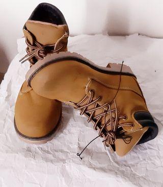 chaussure mixte neuves Ardene,