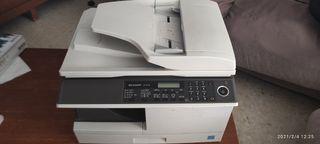 impresora fotocopiadora Sharp AR-M201