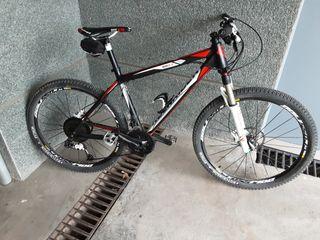 Bicicleta rockrider 8.3 con poco uso