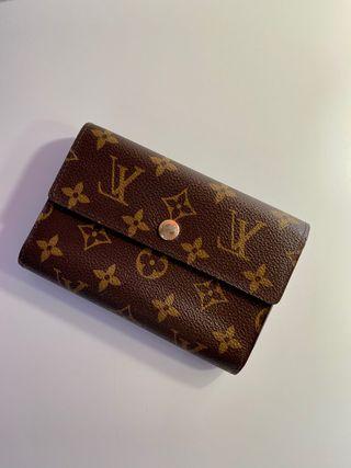 Cartera estampando monogram Louis Vuitton
