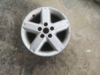 Llanta Nissan 5x114,3