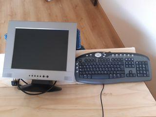 pantalla de ordenador y teclado