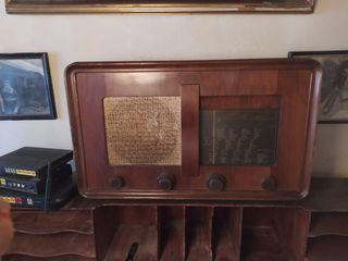 Paillard radio antigua