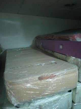 Canapé de 90x200 nuevo tara