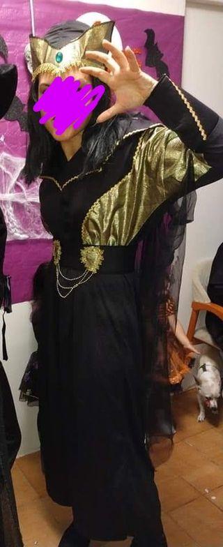 disfraz de vampiresa o mujer araña con peluca