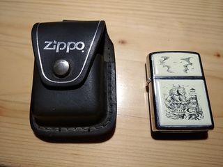 ZIPPO con funda de cuero