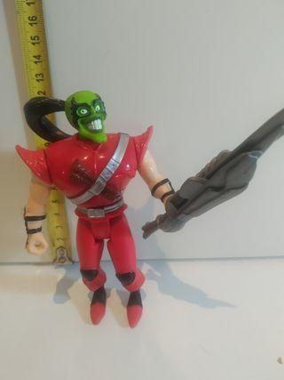 muñeco de la mascara con arma