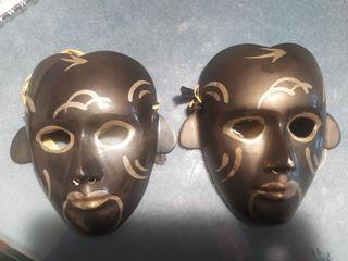 Bonita pareja de mascaras decorativas