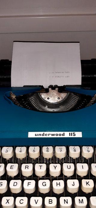 Maquina de escribir Olivetti Underwood 115