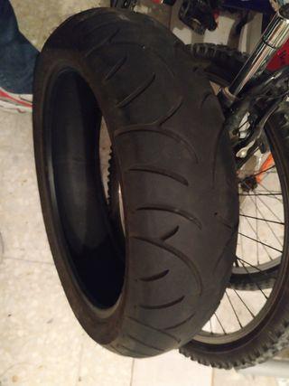 Neumático trasero Bridgestone 160/60ZR17
