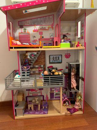 Casa de madera de muñecas kidkraft 100 euros