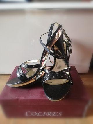 Zapatos/sandalias de tacón con etiqueta