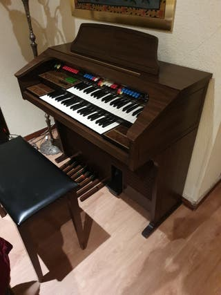 Piano-órgano Thomas Playmate with color-glo