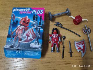 Playmobil special plus 4763 Guerrero Tauro rojo