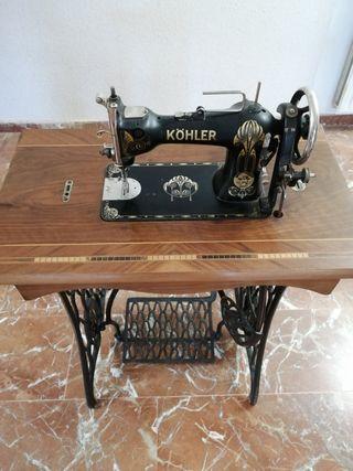 Maquina de coser antigua Kolher.